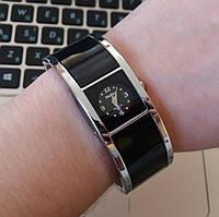 Женские часы-браслет XinHua с черной эмалью