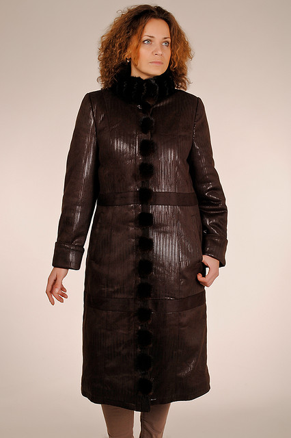 Батальное пальто из спандекса под замшу с мехом норки ЛЕДИ ШАРМ 12315  60  коричневый