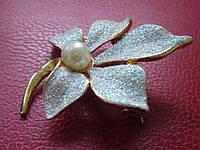 Брошь голубой цветок времён СССР