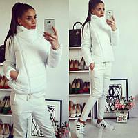 Женская весенняя белая куртка