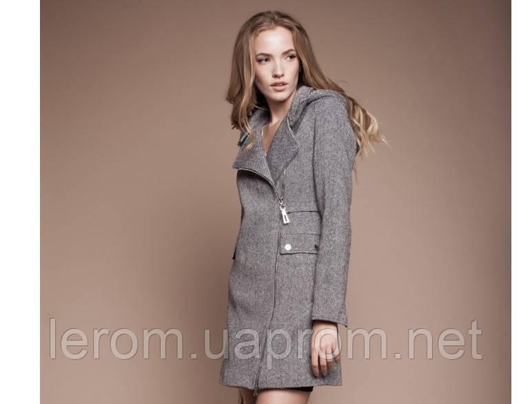 Демисезонное изысканное пальто Москино