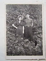 Фото старое 1950-е годы Прогулка в парке Влюблены
