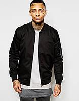 Черная мужская куртка бомбер