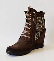 Женские ботинки со стразами Pepol