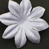 Цветок семилистник. Цвет нежно серо-сиреневый. Размер 25 мм