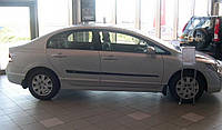 Молдинги на двери Honda Civic 4 Dr sedan 2006-2011