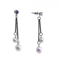 Серьги-пусеты с жемчужинами(им) на цепочках и белыми стразами, цвет металла серебро,55мм