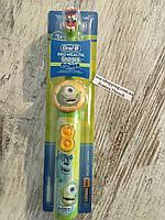 Детская электрическая зубная щётка Oral-b
