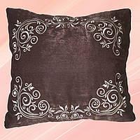 Декоративная подушка с вышитой наволочкой
