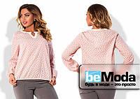 Стильная женская блуза больших размеров свободного кроя с поясом кулиской и декором на воротнике розовая
