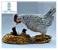 Шкатулка со стразами для ювелирных украшений курочка кормит цыплят
