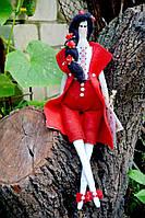 Кукла тильда в красном.