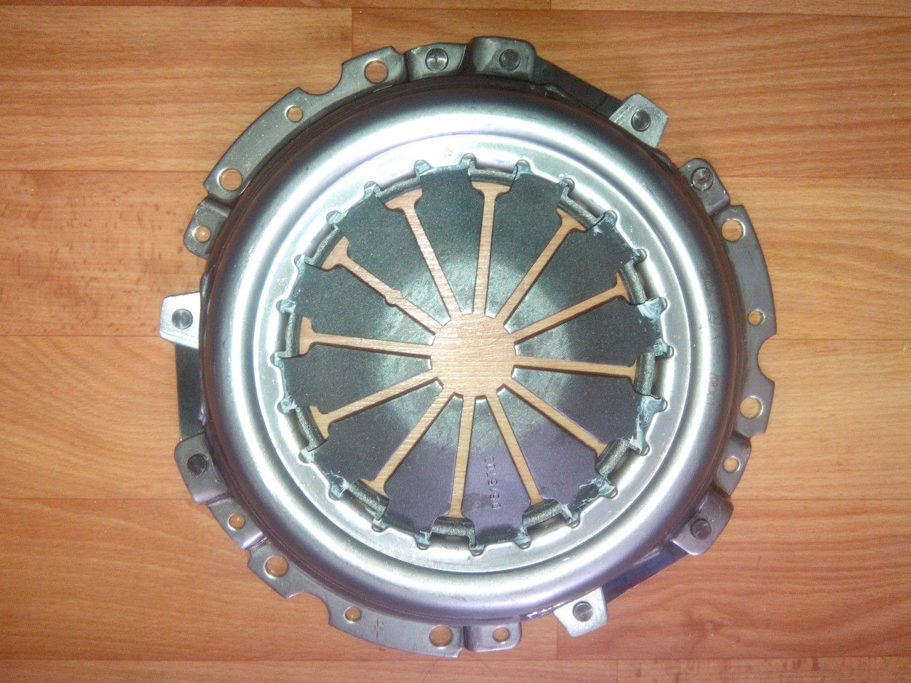 Диск сцепл. нажимной ВАЗ 2112 (8-ми+16-ти клап. двиг.) (пр-во ВИС)