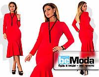 Нарядное удлиненное женское платье из креп-дайвинга больших размеров с оригинальной клешной юбкой красное