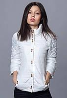 Молодежная курточка белого цвета