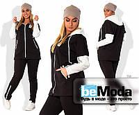 Удобный теплый женский спортивный костюм больших размеров оригинального кроя со вставками стёжки черный