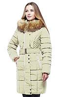 Женское пальто с мехом енота