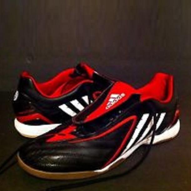 Обувь для зала (футзалки) Adidas Predator Absolado PS IN