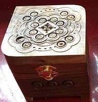 Шкатулочка сувенірна дерев'яна для прикрас 11*11*10 см, фото 1