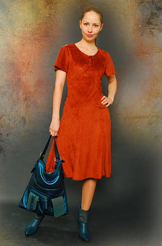 Платье замшевое рыжее сарафан по 021
