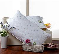 Шелковая подушка стеганная с вышивкой 70*70