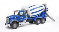 BRUDER игрушка - бетоновоз Mack Granite, М1:16