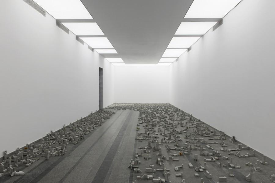 Уроки архитектуры, пять далеких воспоминаний: чемодан, комната, игрушки, лодка и Марадона, 2012