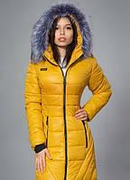 Модная куртка красивого  горчичного цвета