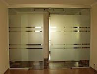 Раздвижная дверь из стекла с рисунком