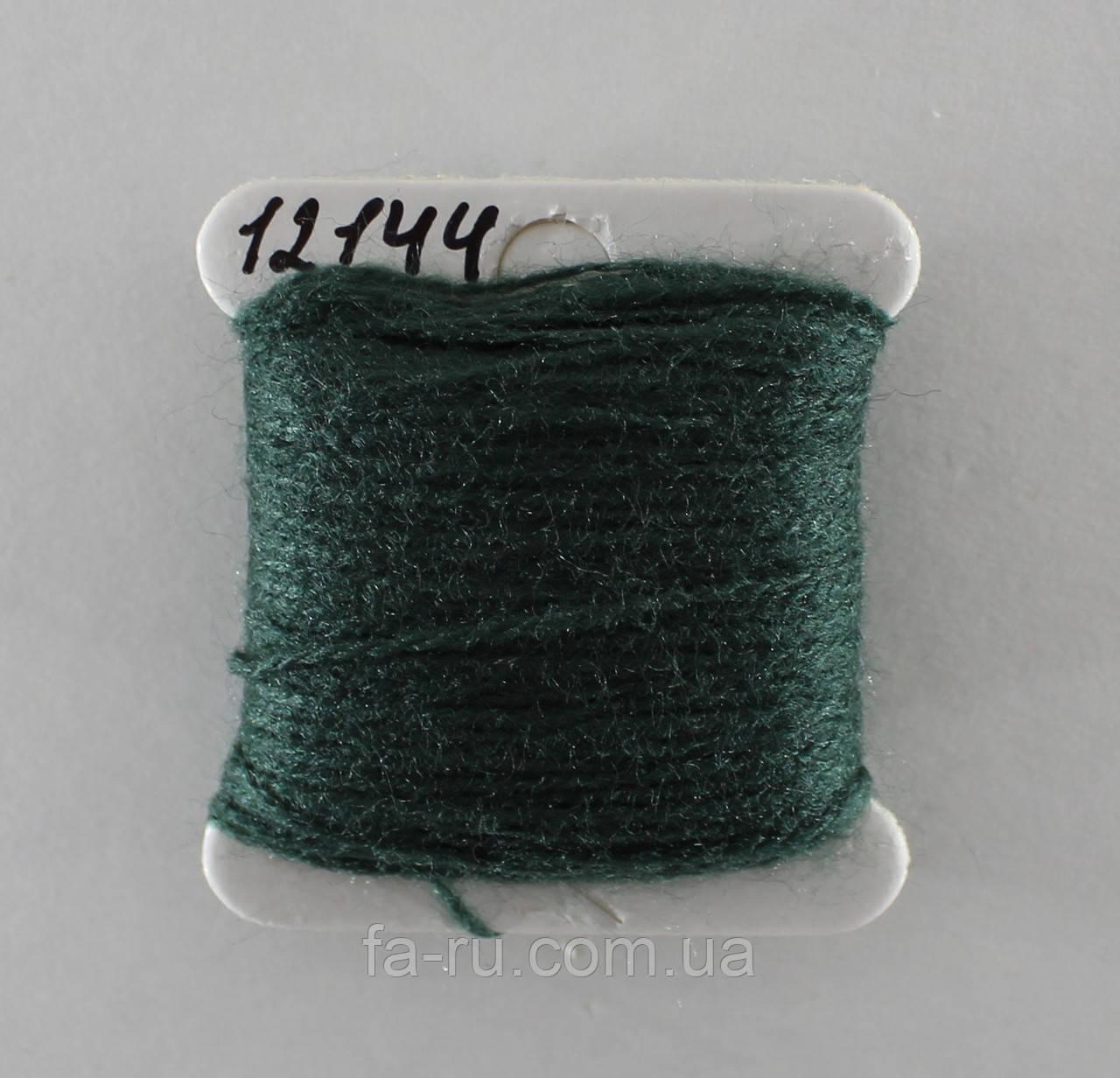 Акрил для вышивки: зеленая сосна