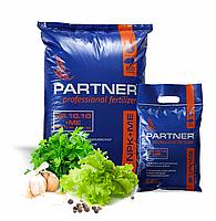 Партнер (Partner) комплексне водорозчинне добриво NPK 35.10.10+S+ME+MgO (2,5 кг 25 кг)