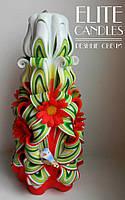 Свеча украшенная красными ромашками и птичкой, 22 см высотой, подарок ручной работы