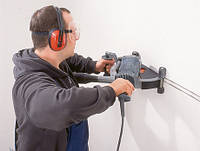 Штробление стен для монтажа электропроводки