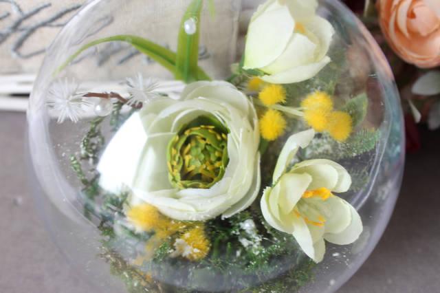 Декор для магазина к празднику 8 Марта с использованием материалов из нашего ассортимента(пластиковые шары, цветы, декор) 1