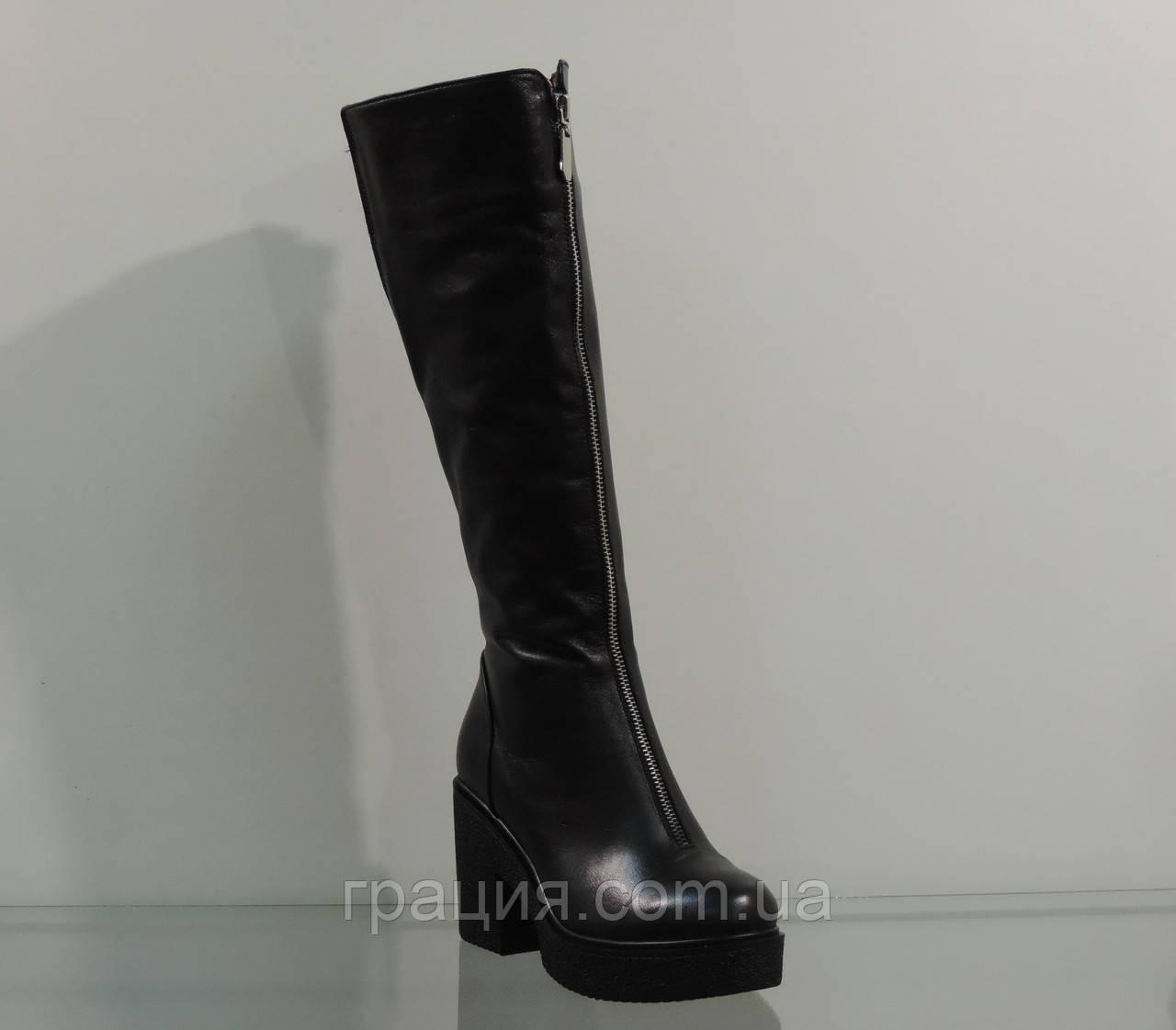 Молодежные кожаные зимние сапожки на модном каблуке