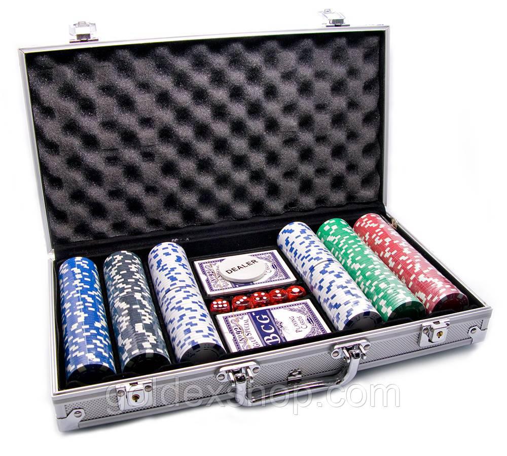 Покерный набор в алюм. кейсе (2 колоды+300фишек) (38х22,5х6,5 см) (вес фишки 4 гр. d-39 мм)