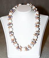 Ожерелье из ЖЕМЧУГА персикового и лавандового цвета, ГОВЛИТА И ХРУСТАЛЬНЫХ БУСИН / Рубиновая Мечта