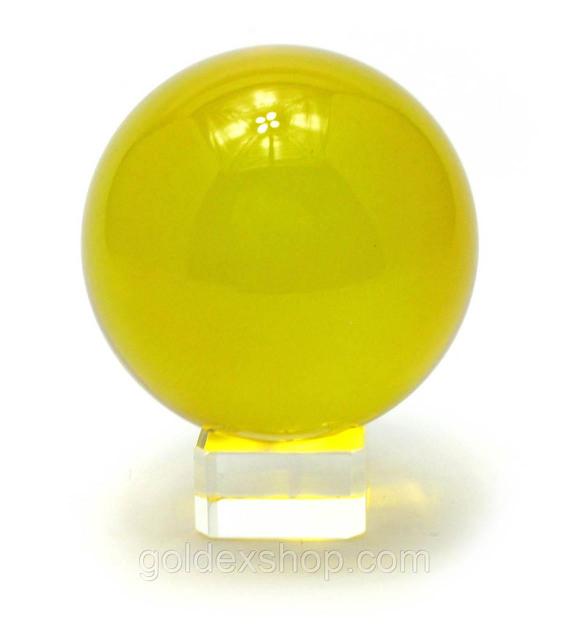 Шар хрустальный на подставке желтый (8 см)