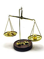 Весы бронзовые на деревянной подставке (200 гр.) (25х12,5х12,5 см)
