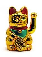 Кошка Манэки-нэко машущая лапой пластик (18х11х10 см) (батарейки в комплект не входят)