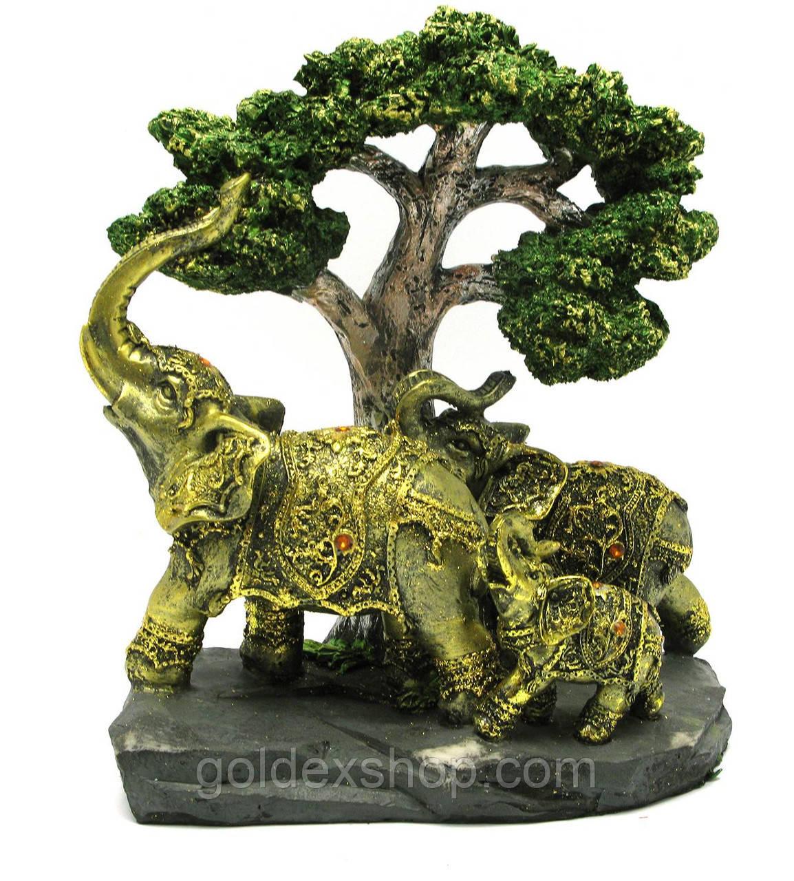 Слоны под деревом (20х22х11 см)