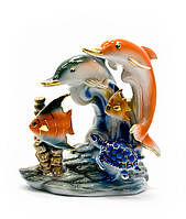 Дельфины с рыбами фарфор (13х12,5х7 см) (YSAA-1556)