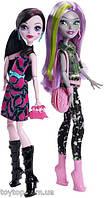 Набор кукол монстер хай Дракулаура и Моаника Monster High Welcome to Monster High Monstrous Rivals 2-Pk Dolls, фото 1