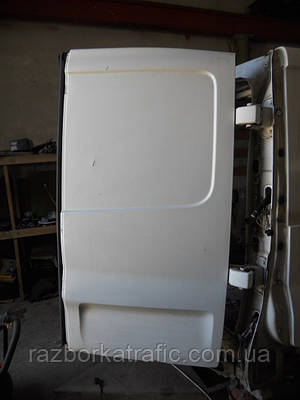Дверь задняя правая белая на Renault Trafic, Opel Vivaro, Nissan Primastar