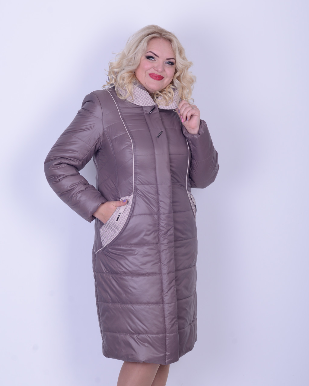 Зимнее плащевое пальто батал