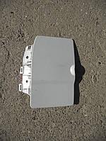 Крышка бака (лючок) белый на Renault Trafic, Opel Vivaro, Nissan Primastar