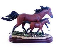 Статуэтка Семья лошадей