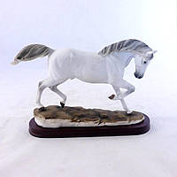 Статуэтка Конь на бегу белый