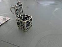 Мусульманский кулон - амулет Кубик
