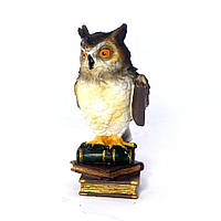 Статуетка Пугач на книгах